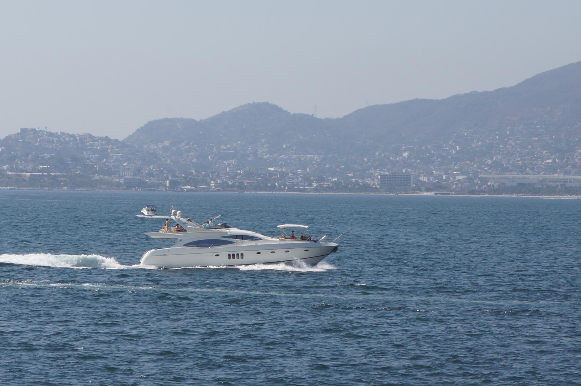 Renta de yate en Acapulco al mejor costo