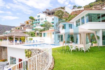 Fachada de Casa Aguazul en Acapulco