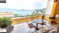 Vista a la bahia de Acapulco desde la sala