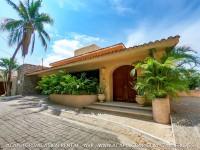 Casa Anahuac en renta vacacional / Casa de lujo en Lomas de Costa Azul de 4 habitaciones con servicios hoteleros / Capacidad de 12 a 15 huespedes / Costa Azul / Renta vacacional en Acapulco /