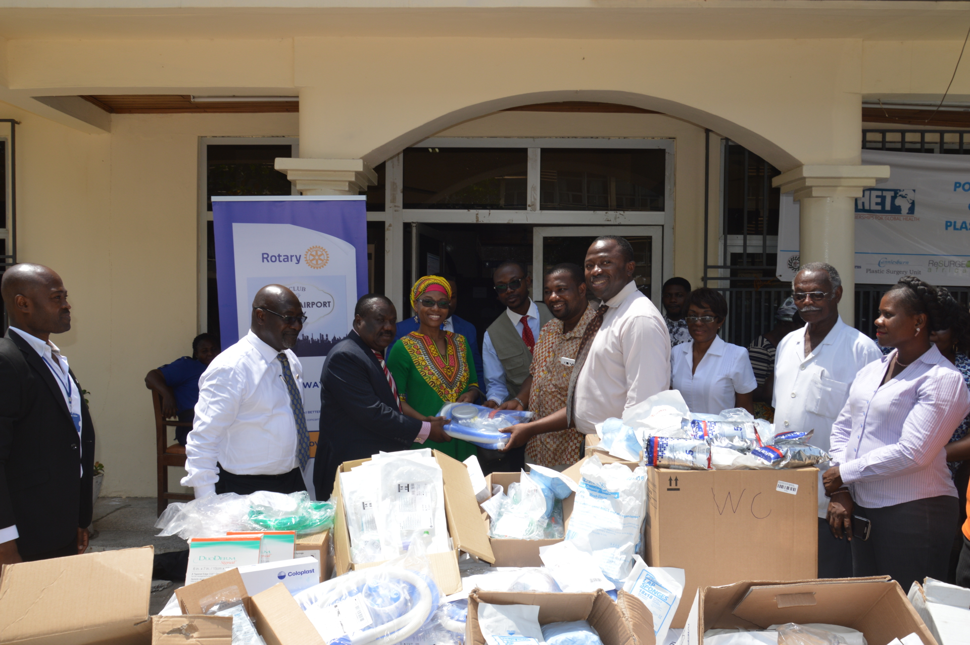 ROTARY CLUB DONATES TO PLASTIC SURGERY AND BURNS CENTRE