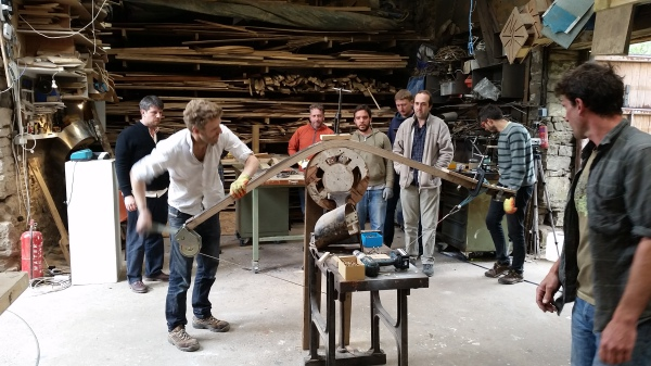 compression strap, steel, wood, steram-bent, steam-bending, process, splitting, prevents