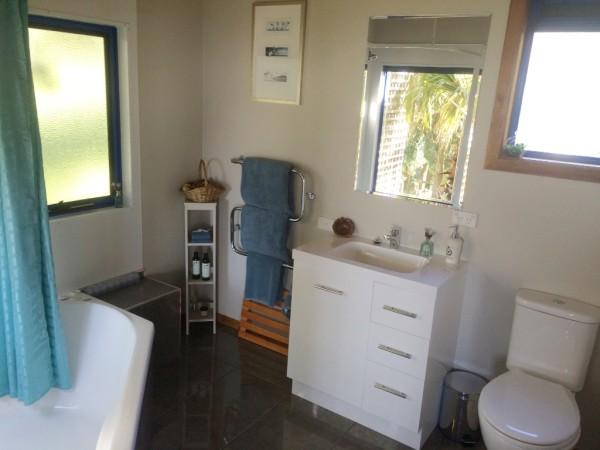 Mount Cameron Spa Bath Room