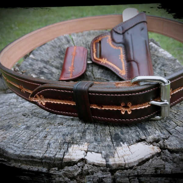 Block dyed CCW Belt and gunleather set.