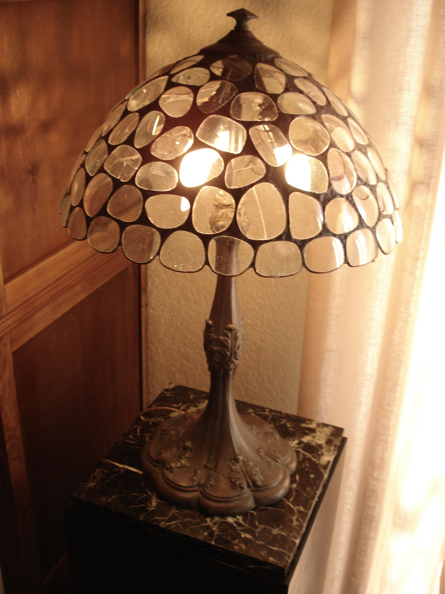 Eyeglass lampshade