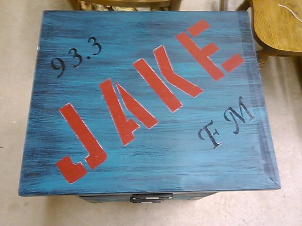 93.3 JAKEFM  Table Makeover