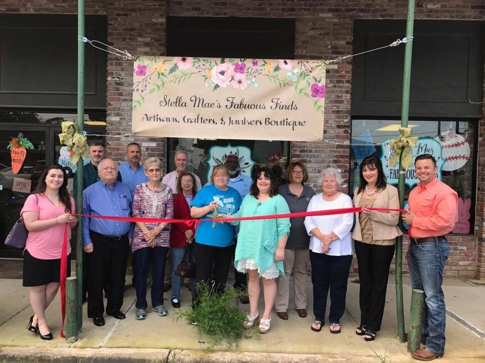 Chamber welcomes Stella Mae's Fabulous Finds to Richland