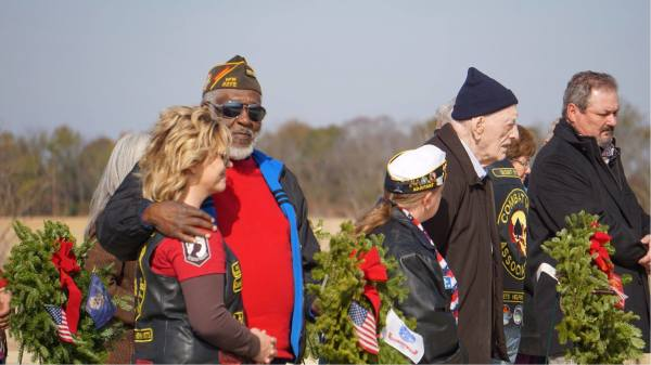 Chamber participates in annual Wreaths Across America