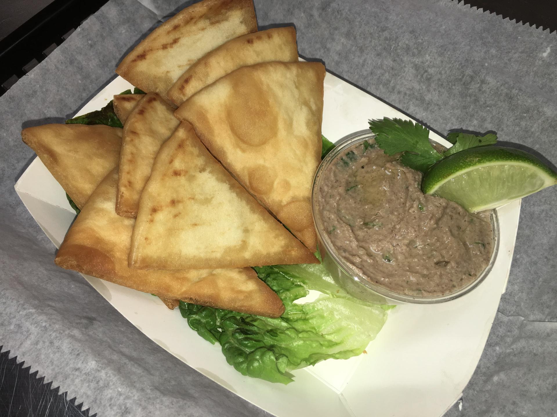 Black Bean Hummus with Fresh Pita Chips