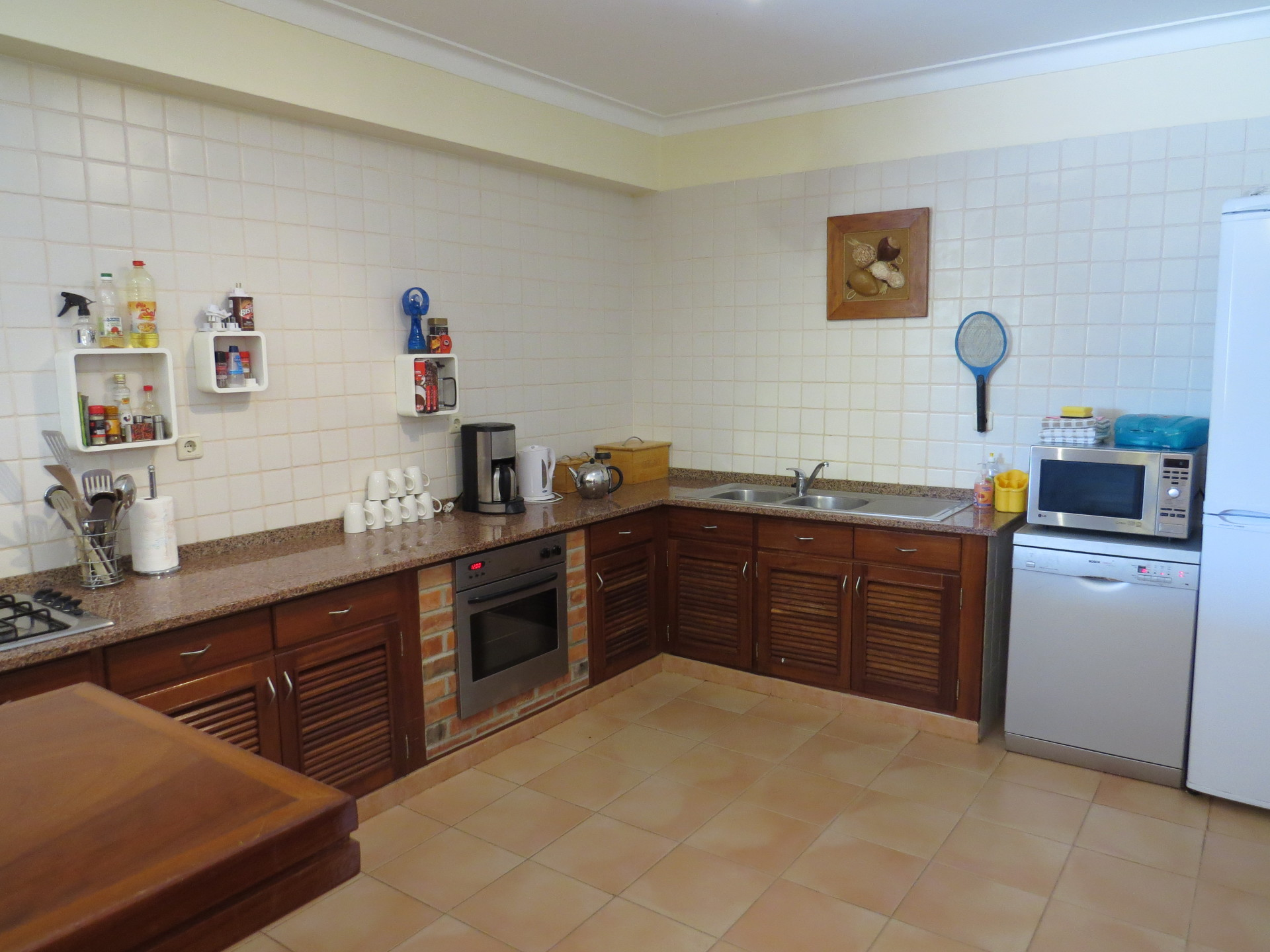 3 bedroom apartment kitchen area