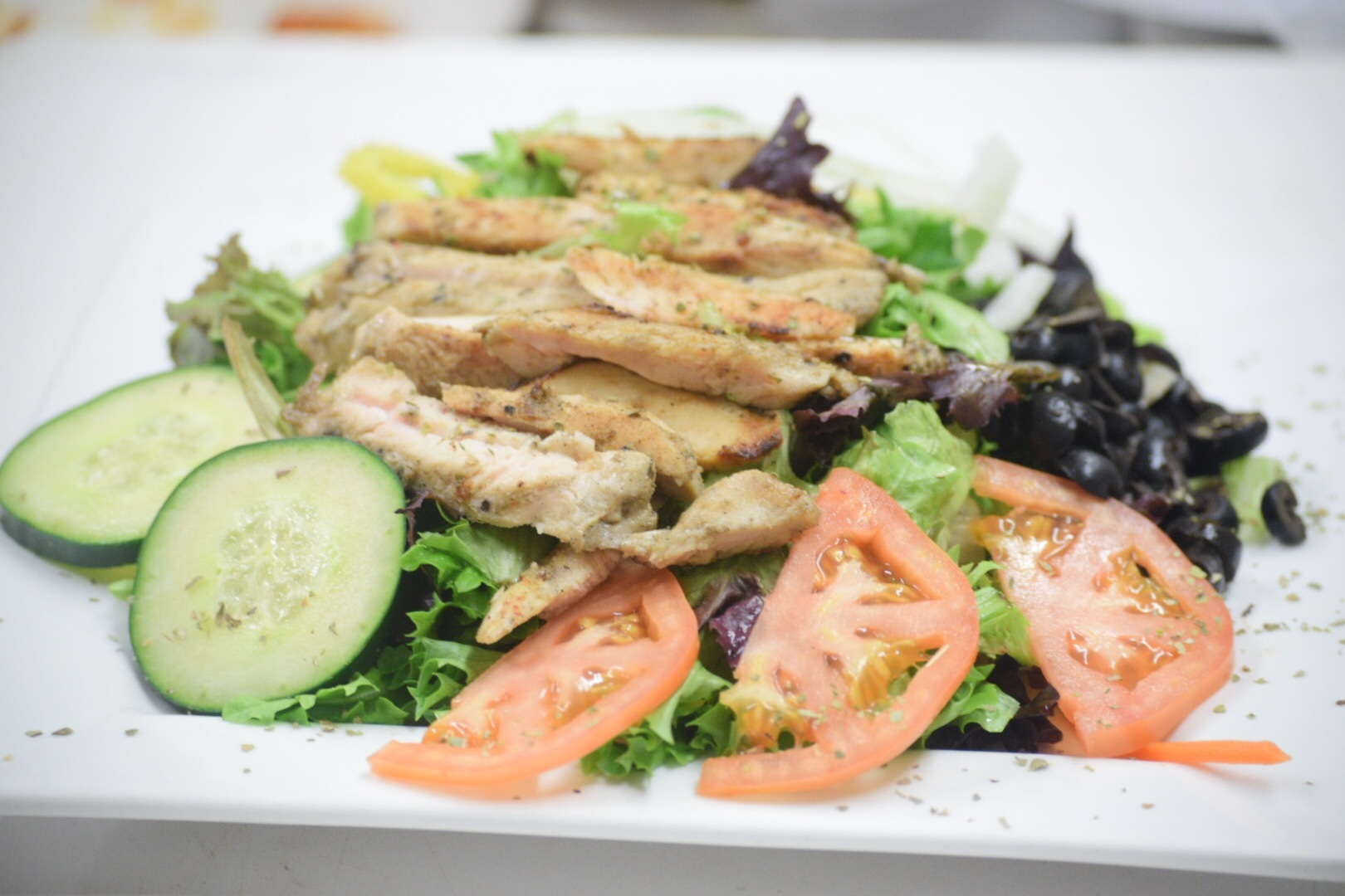 Grilled Chicken Salad, Luce