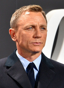 Does Daniel Craig hate playing Bond?