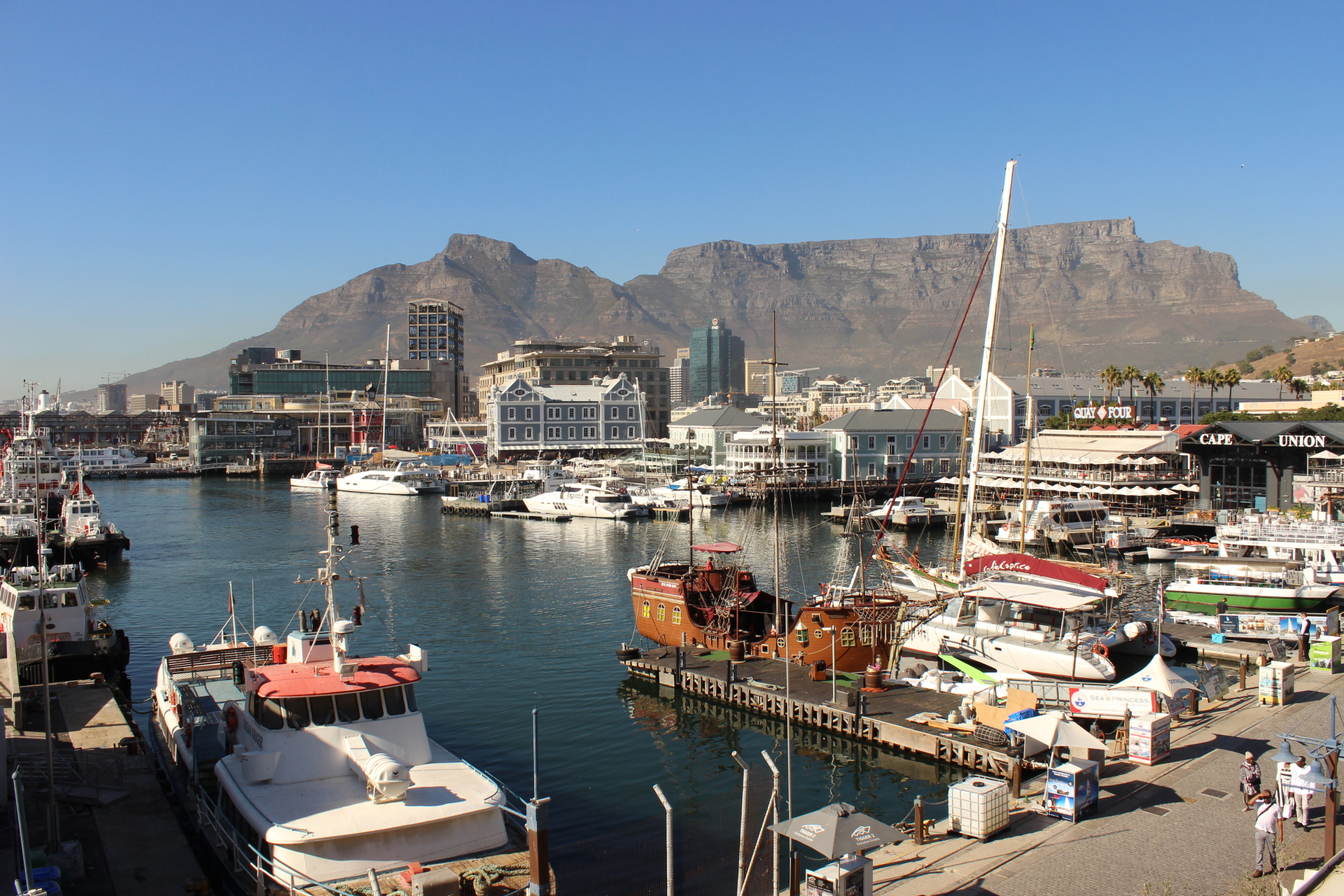 2018 South Africa Trip, Part 6: Cape Town Sunrise and V&A Waterfront