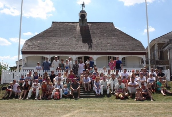 OHs and friends gather to play cricket in memory of Richard Palmer