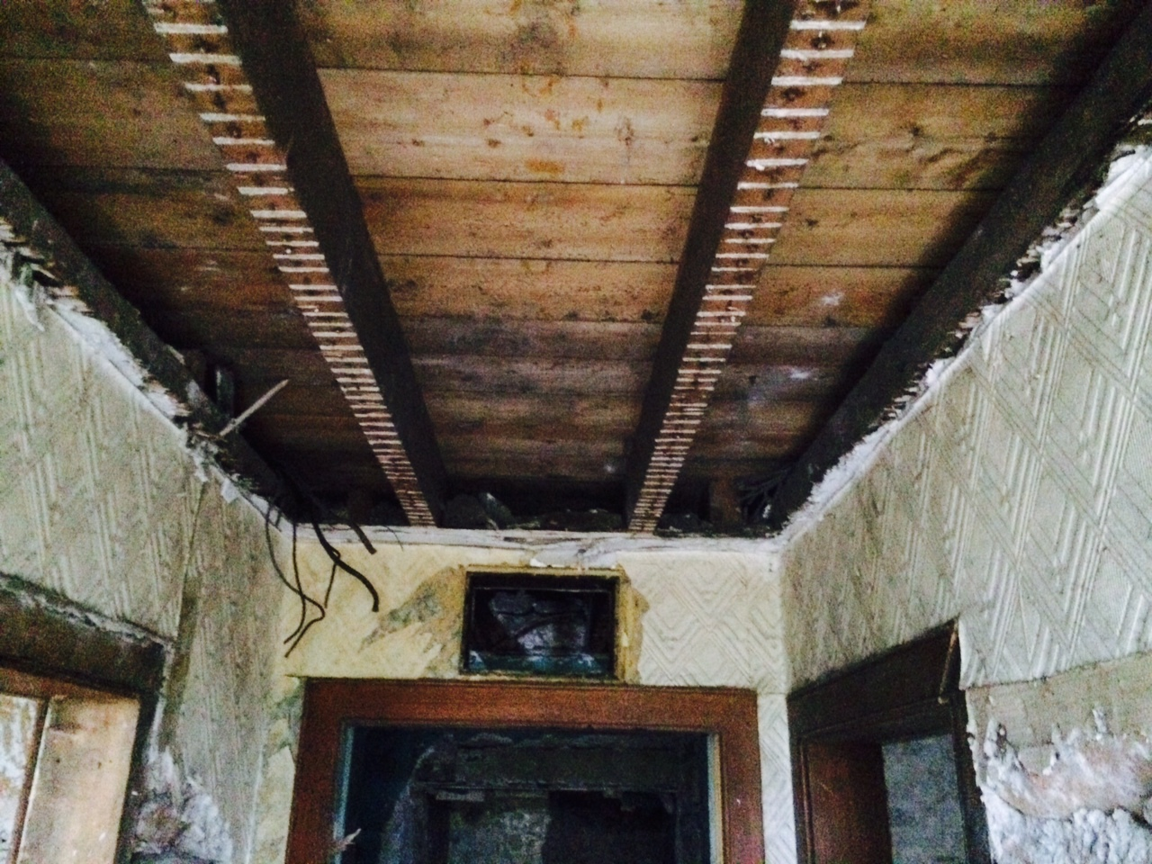 hall ceiling down