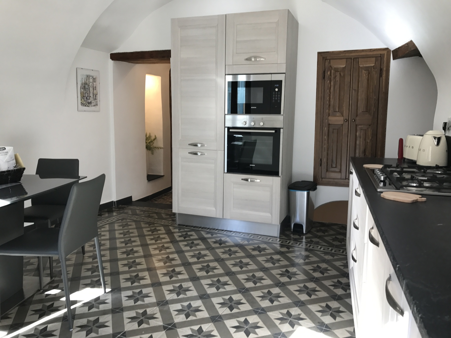 Medieval townhouse in Pigna, Liguria - Breakfast Kitchen