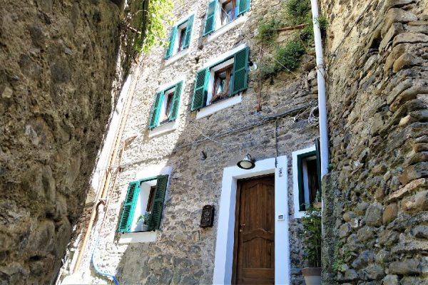 Medieval townhouse, Pigna, Liguria
