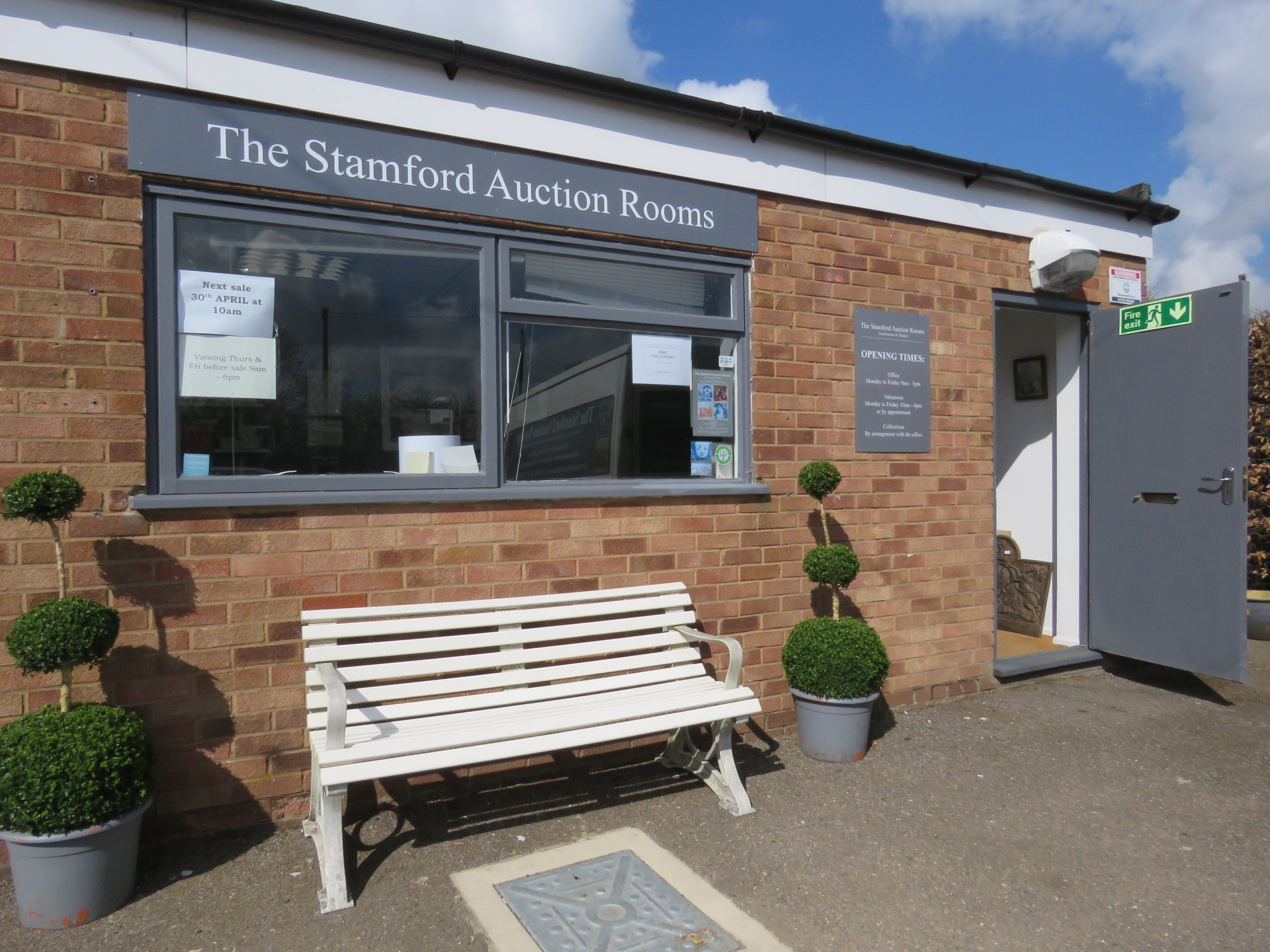 Stamford Auction Rooms in Little Bytham