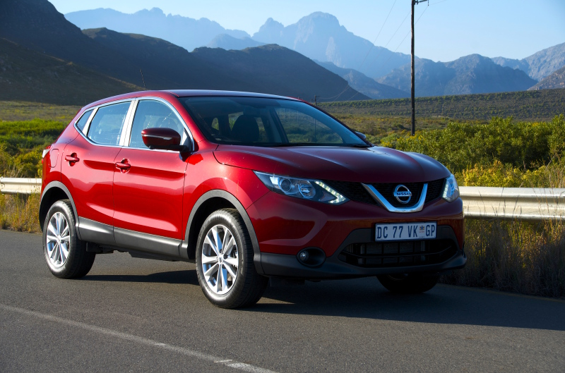 Qashqai offers comfort, connectivity & control - Image: Michele Lupini