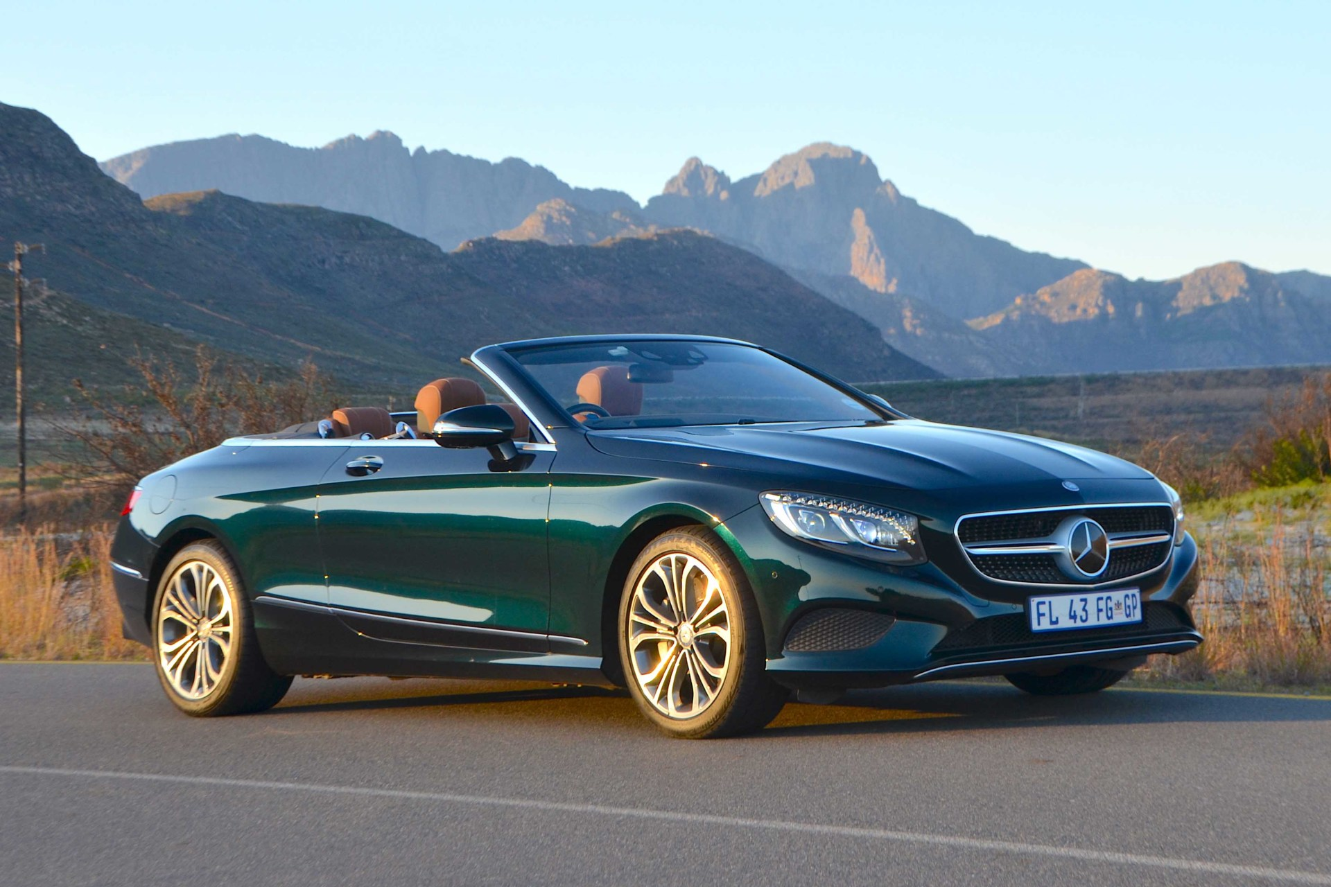 Mercedes-Benz S500 Convertible. Image – Michele Lupini