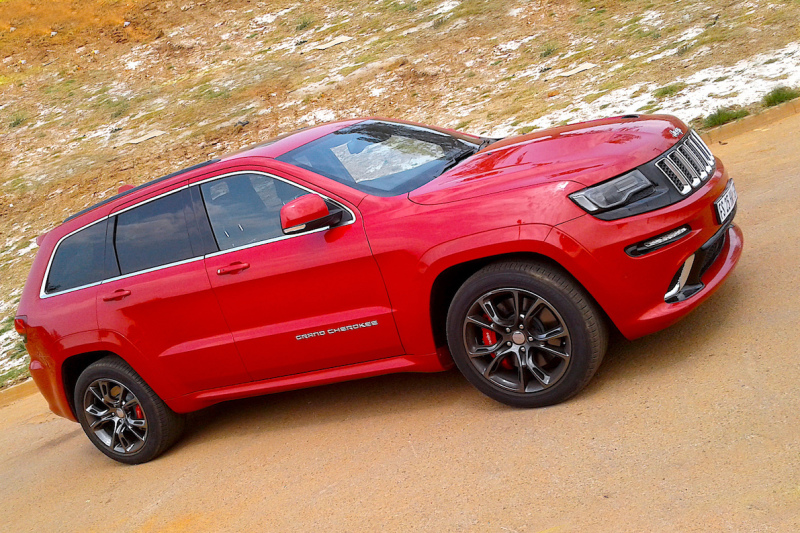 MINI TEST: Jeep Grand Cherokee SRT