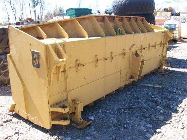 CAT 824G or H dirt U blade new take off, $15,000