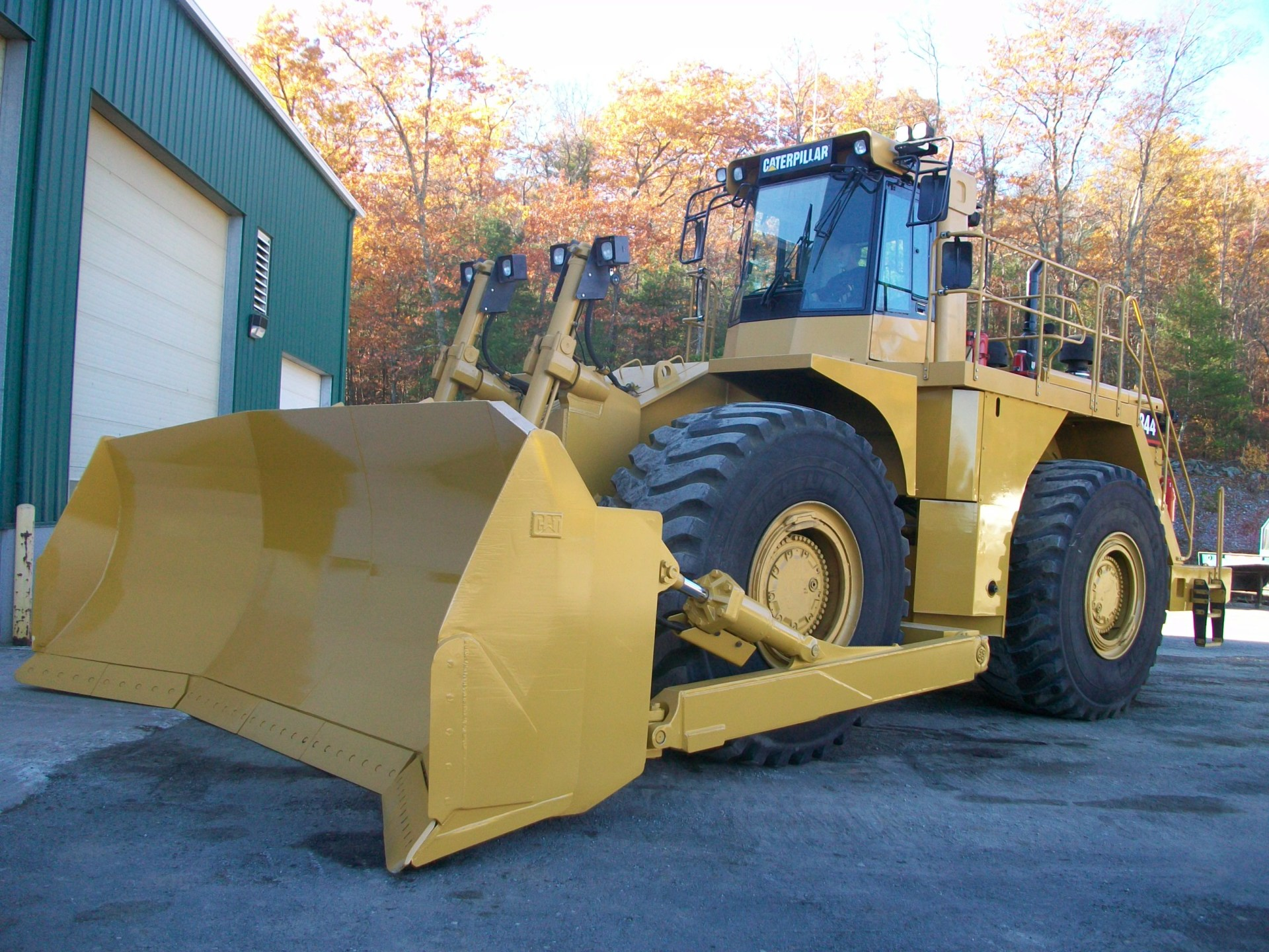 2001 CAT 844 Wheel Dozer, $200,000