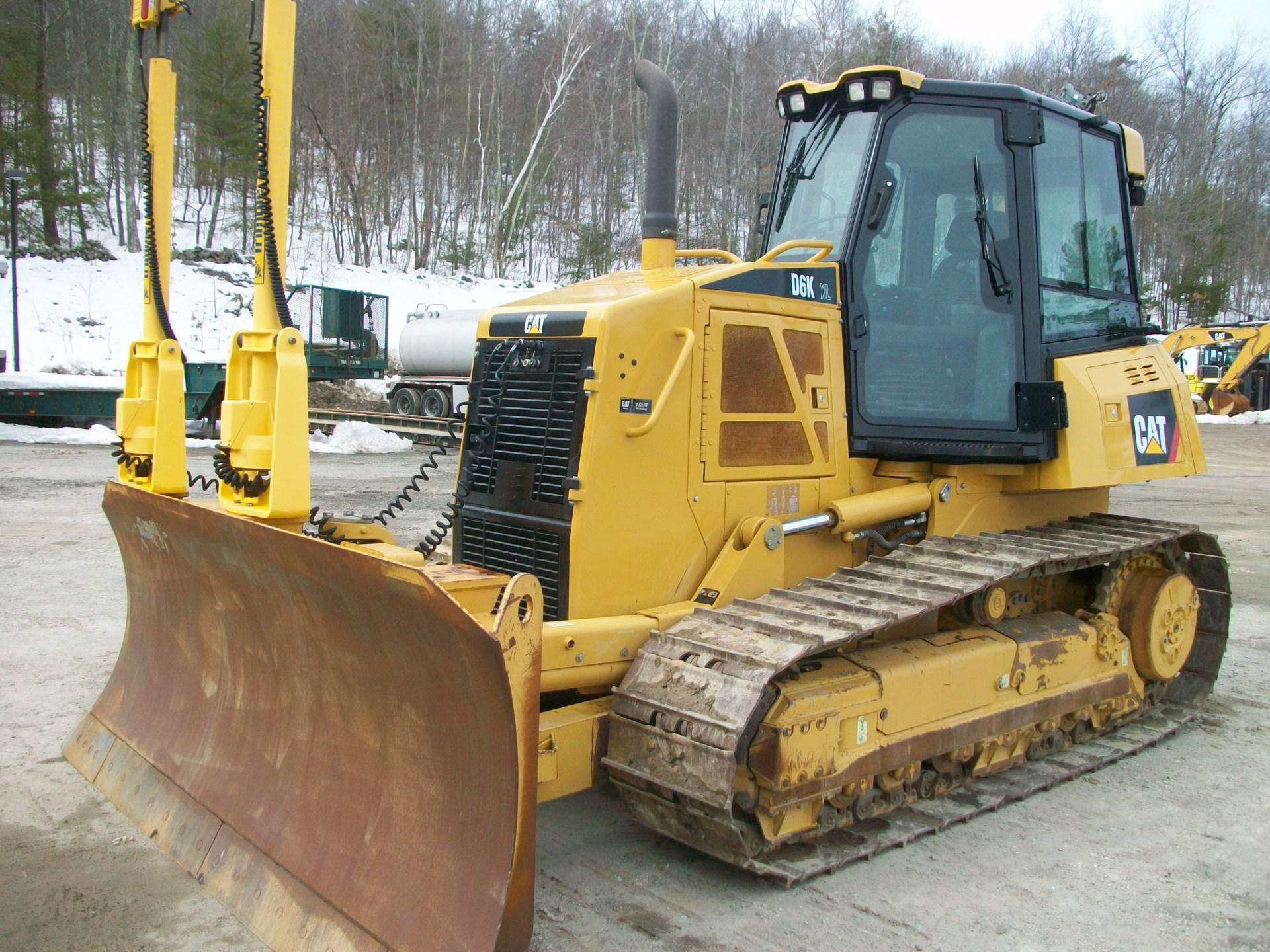 2011 CAT D6K XL , $115,000