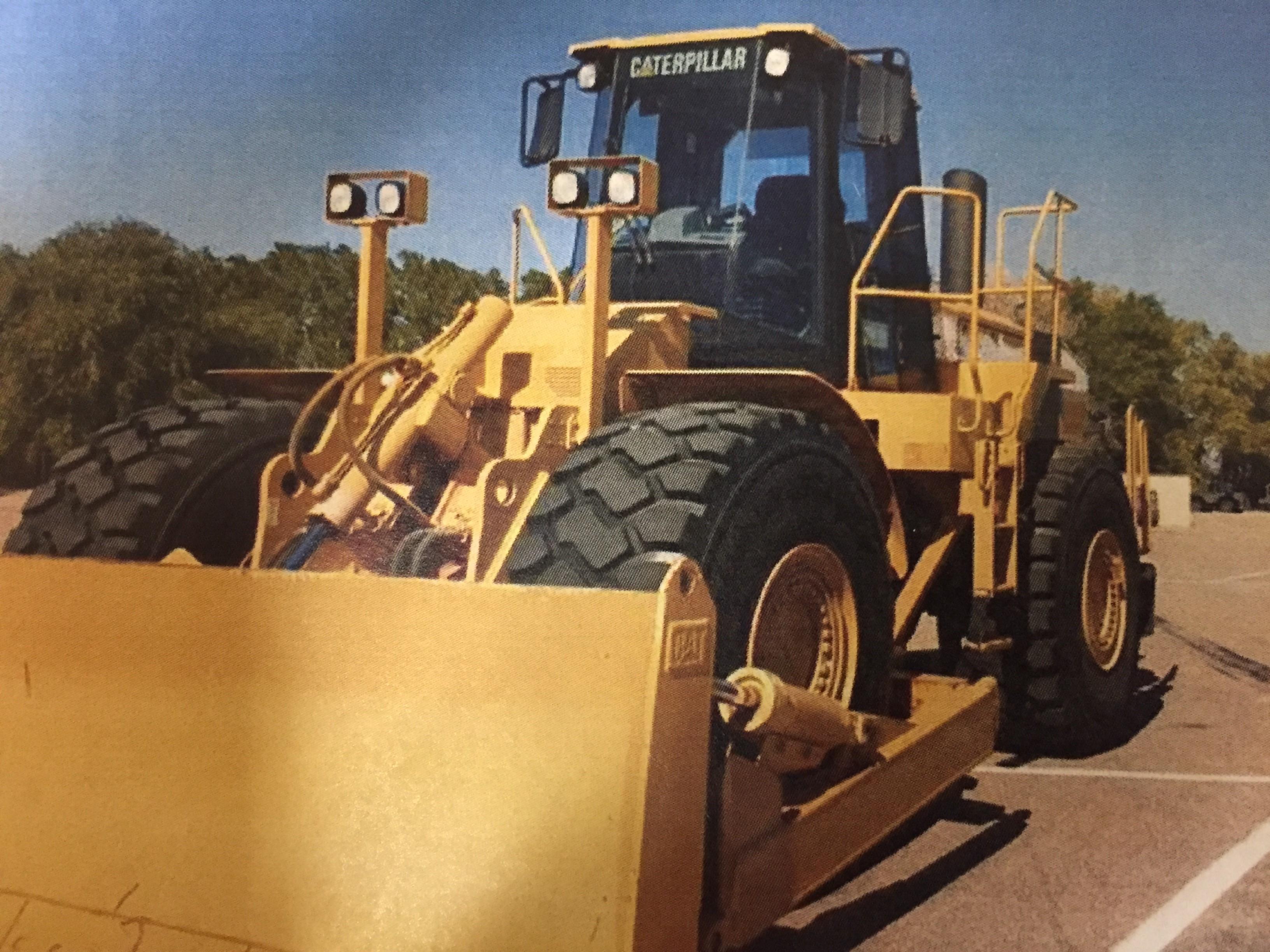 2006 CAT 824H