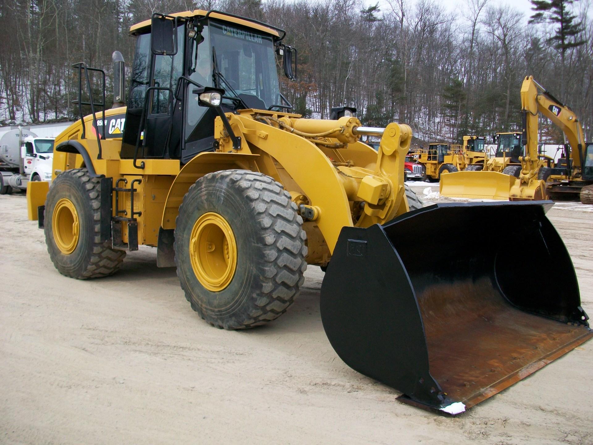 2011 CAT 950H, $125,000