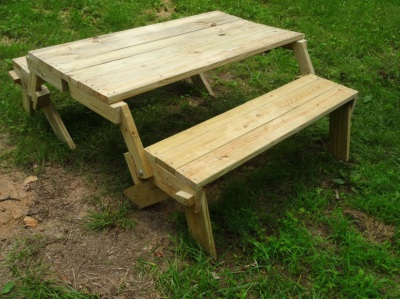Benchs that turns into picnic table