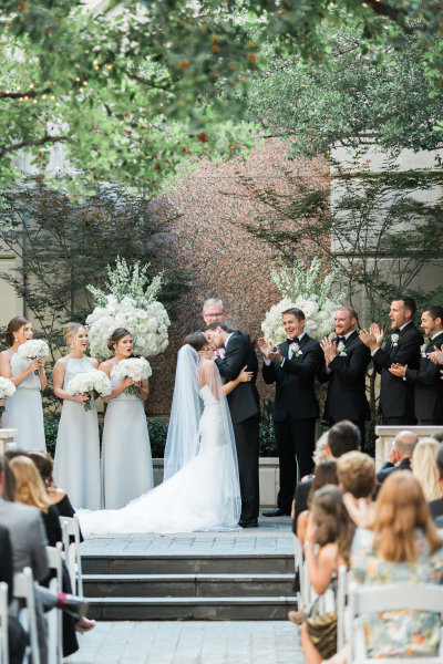 Chic Fleur Weddings and Events, Dallas Wedding Planner, Fort Worth Wedding Planner, Dallas Wedding, Fort Worth Wedding, Room on Main Wedding, Room on Main Uplighting