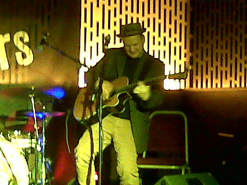 Mark Nevin with my guitar Belfast Nashville 2012