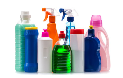 Improve Your Health By Limiting the Chemicals Your Family is Exposed to (Part 1 Cleaners)