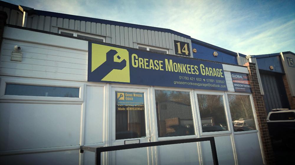 Swindon car repair servicing wheel repair fabrication rob aves greasemonkees garage best swindon garage motors