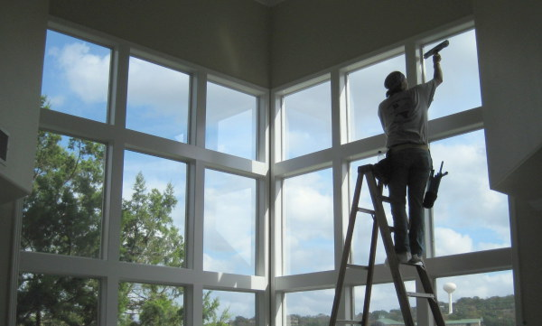 3 Reasons to Call Professional 911 Window Washing