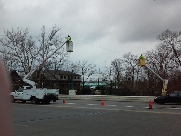 Suspend Cable across Broad St