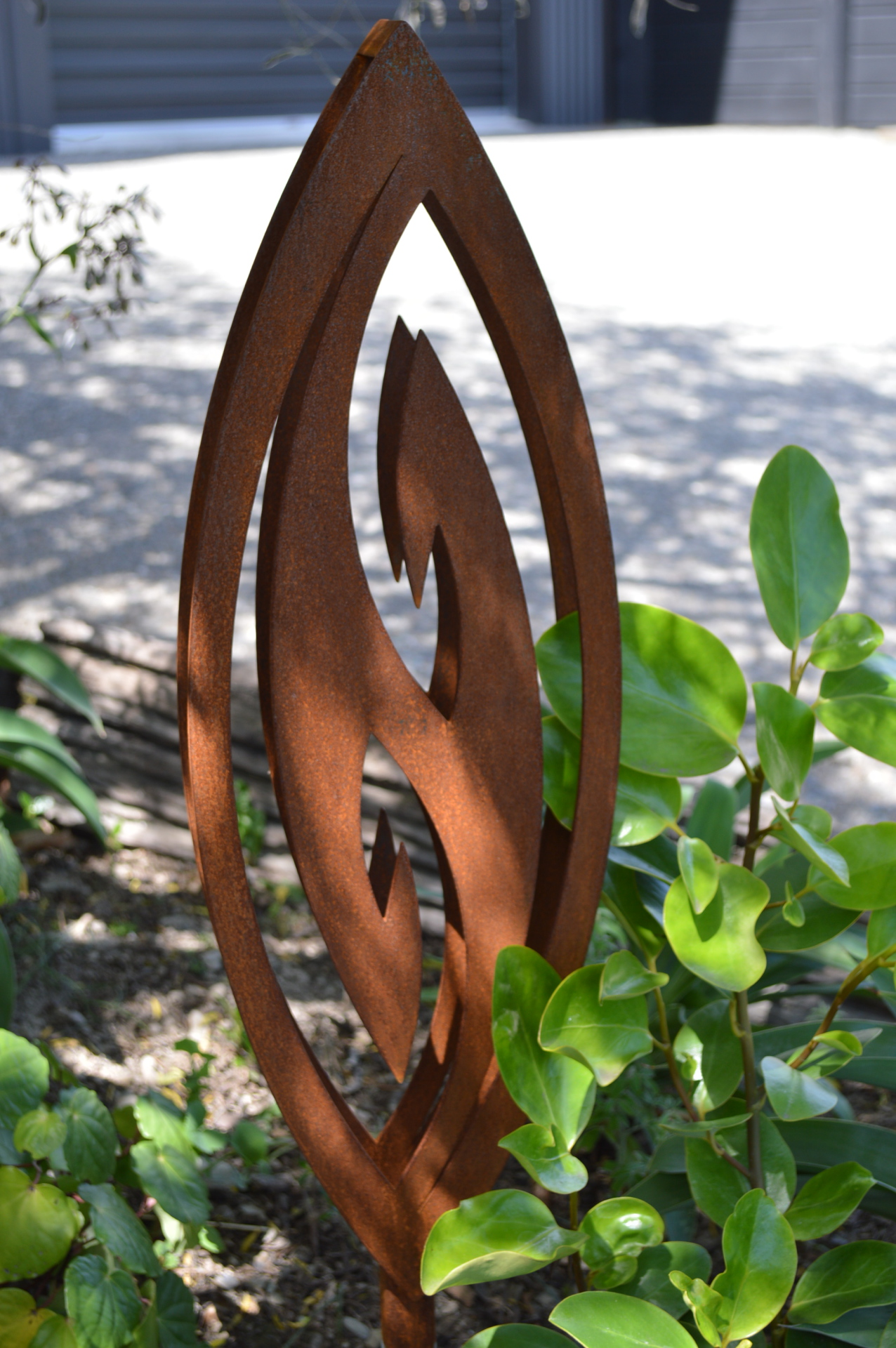 garden design art rust