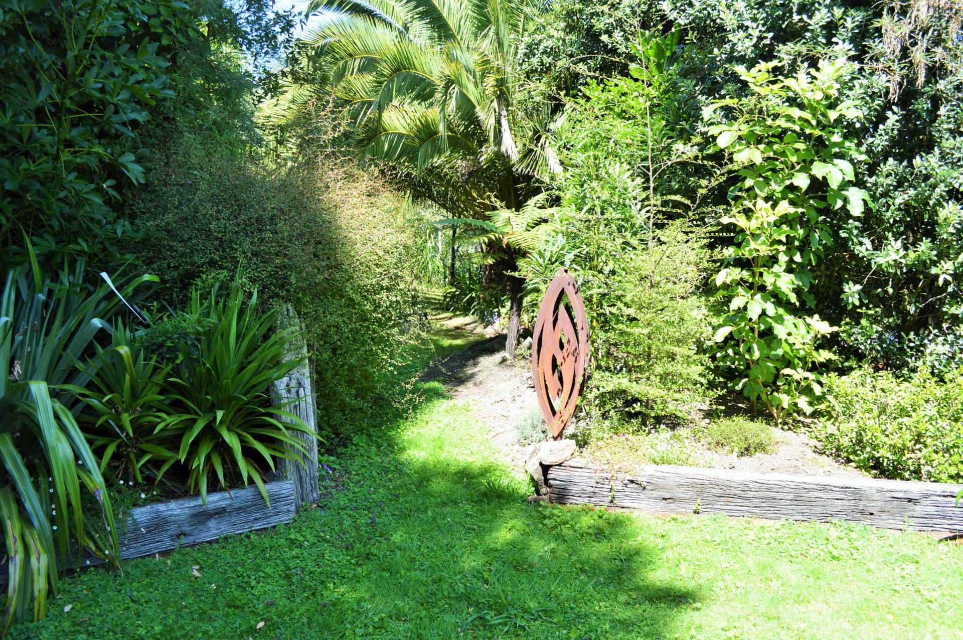 native nz garden art