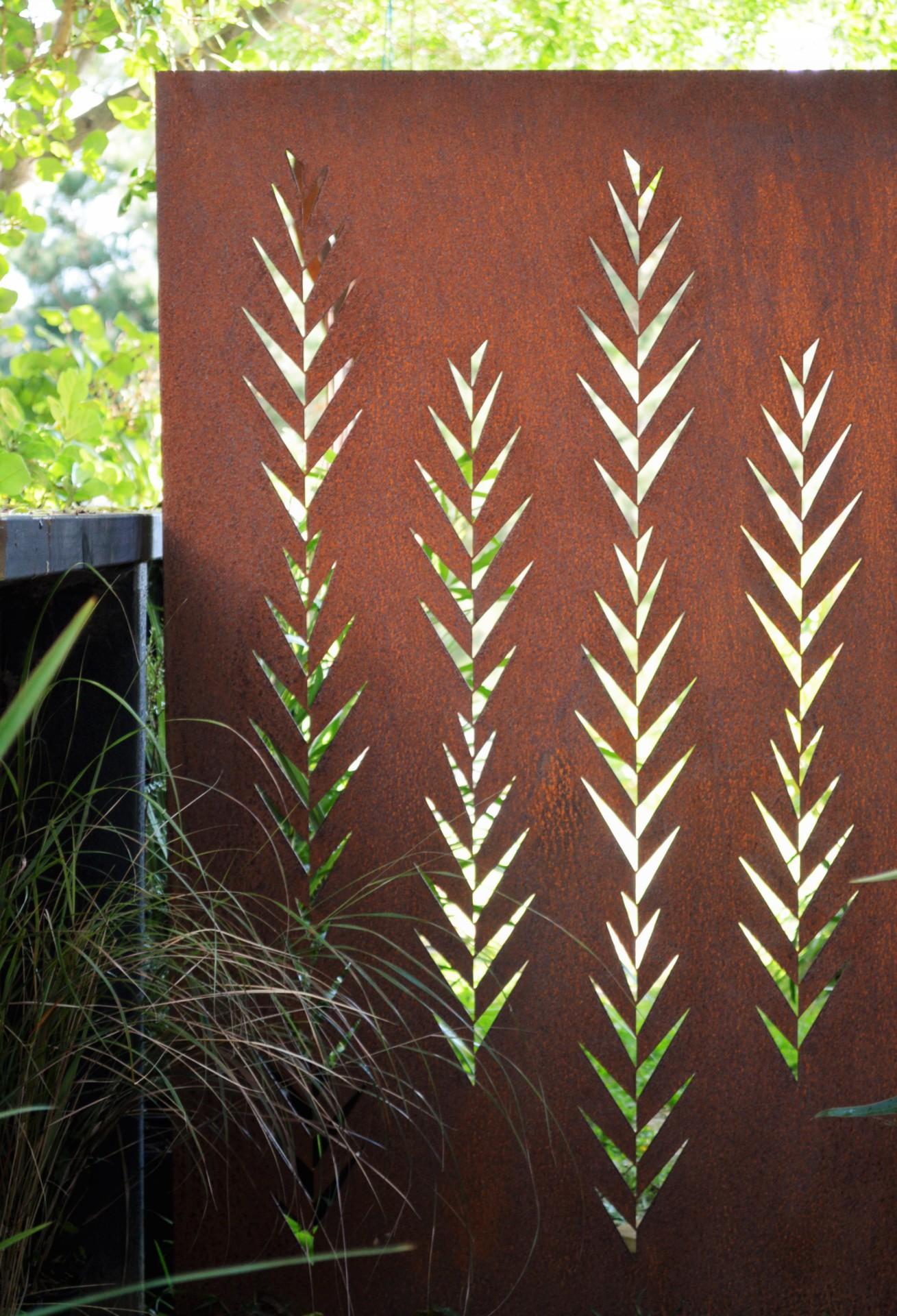garden screening metal rust
