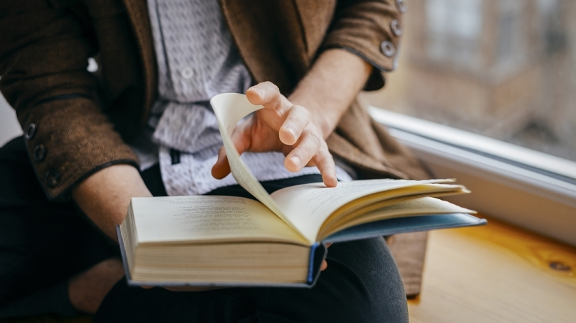 10 REASONS I READ BOOKS