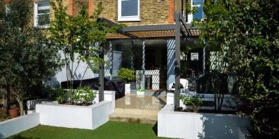 Photo of finished Balham garden designed by John Ward Garden Design