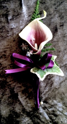 Grooms real touch Plum & ivory calla Lily with fern & ivy touch Buttonhole £5