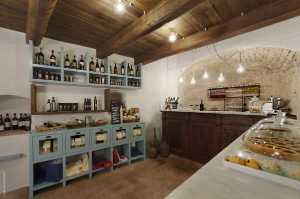 The speciality wine and local product bar /cafe