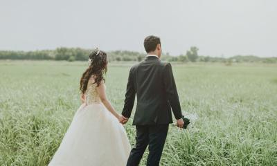 Wild Wedding - Bride and Groom in a field