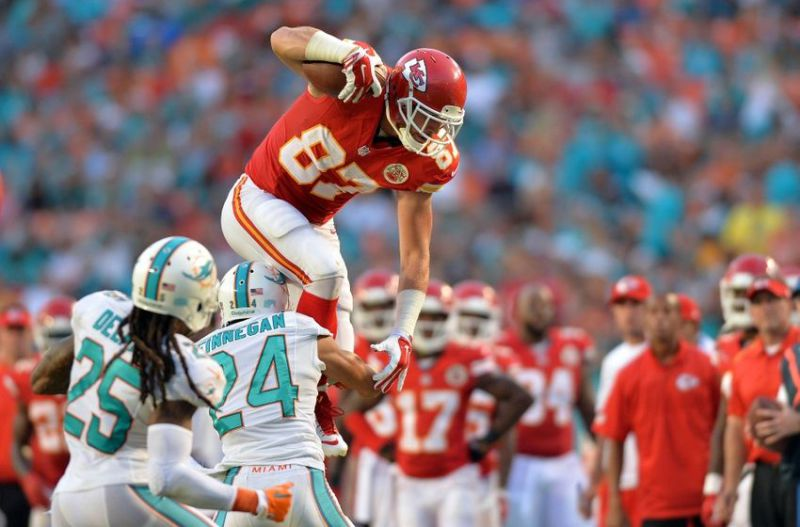 Chiefs Sign TE Kelce to 5 Year $46 Million Extension
