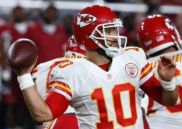 Eagles Sign Quarterback Chase Daniel