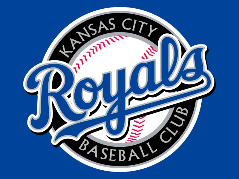 Royals fall 8-5 to Cueto and the Giants