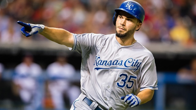 Eric Hosmer agrees to one-year deal to avoid arbitration