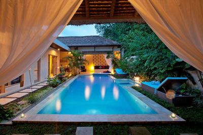 Private Pool (9m)